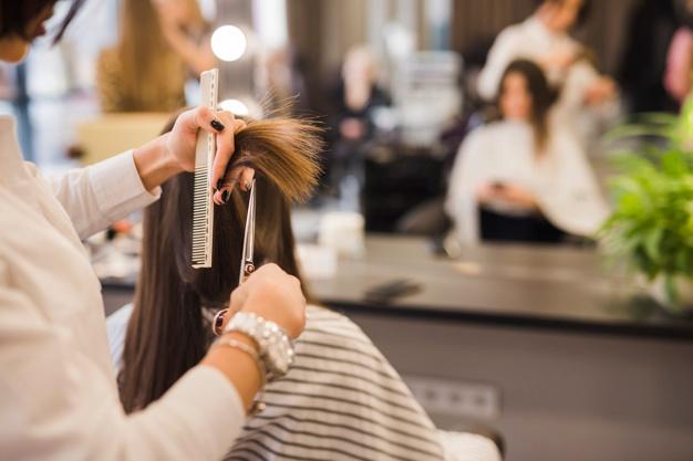 Salon Fryzjerski Słupsk – Czego można oczekiwać od salonu fryzjerskiego?